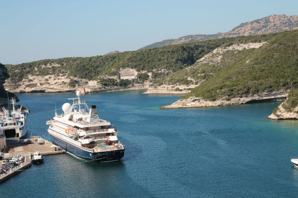 SeaDream in port