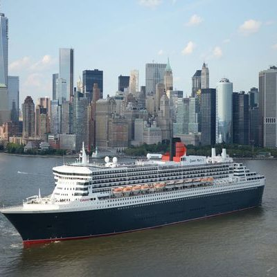 qm2_new_york